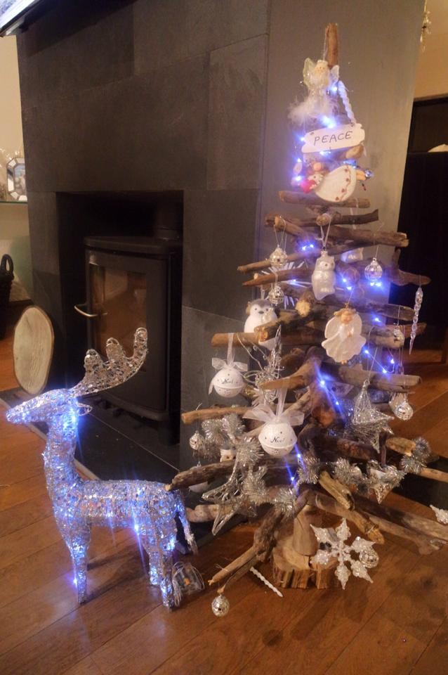 Driftwood Christmas Tree 1