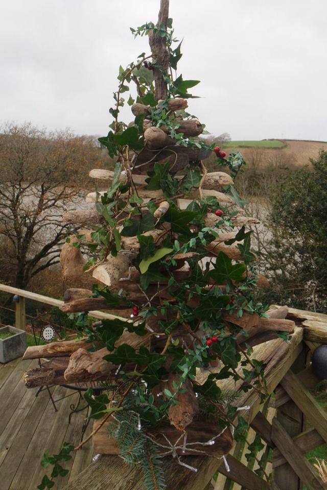 Driftwood Christmas Tree 3
